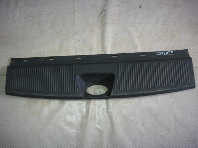 Накладка на панель багажника Kia Sorento BL D4CB 2008 задняя (б/у)