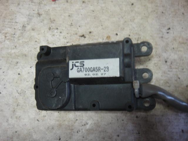 Мотор заслонки отопителя Mazda 626 GE FS 1992 (б/у)