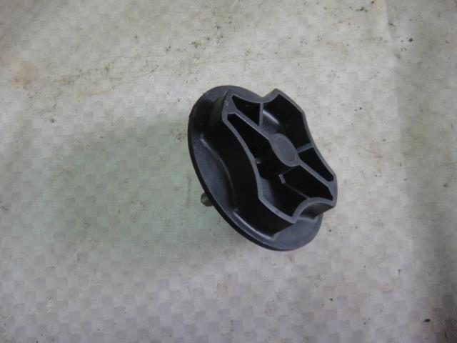 Болт крепления запасного колеса Kia Cerato LD G4GC 2006 (б/у)