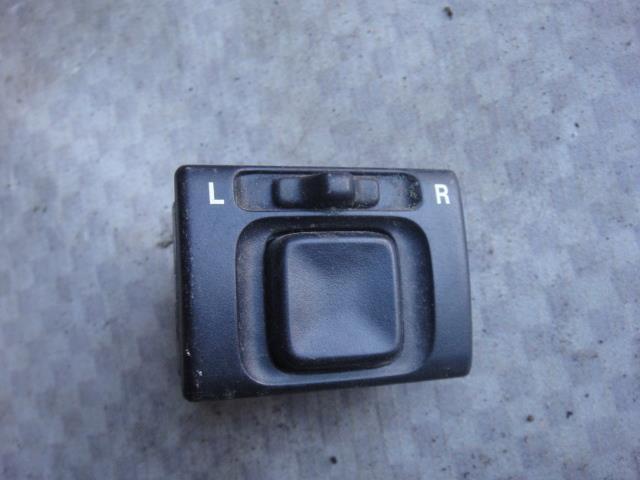 Кнопка регулировки зеркал Chevrolet Tracker NBJ J203 2002 (б/у)