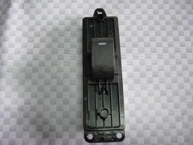 Кнопка стеклоподъемника Mazda Mazda6 GH LF17 2010 задняя левая (б/у)