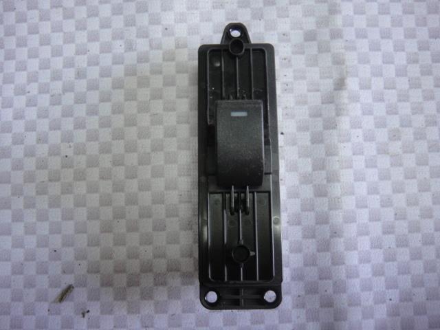 Кнопка стеклоподъемника Mazda Mazda6 GH LF17 2010 задняя правая (б/у)