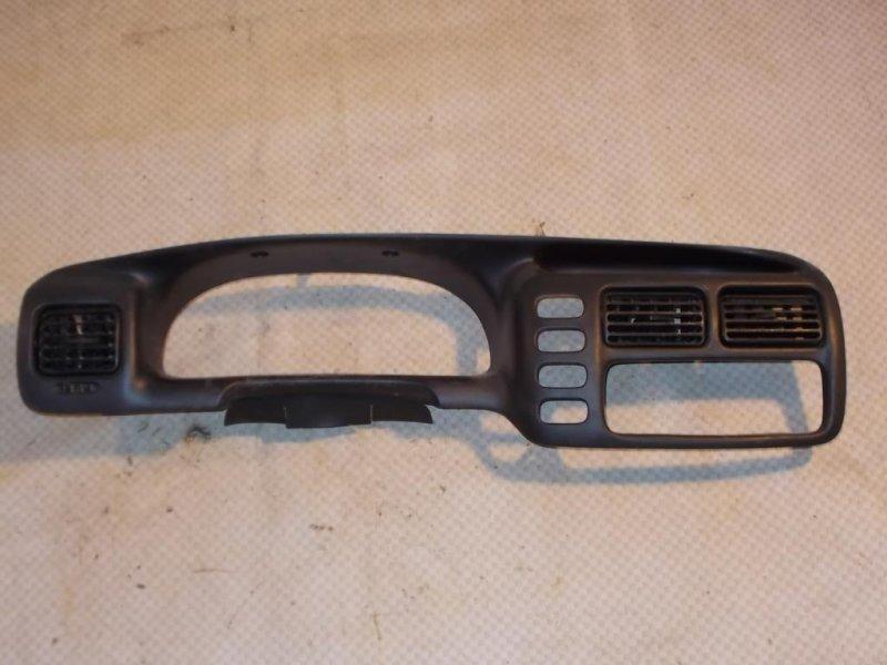 Накладка панели приборов Chevrolet Tracker NBJ J20A 2000 (б/у)