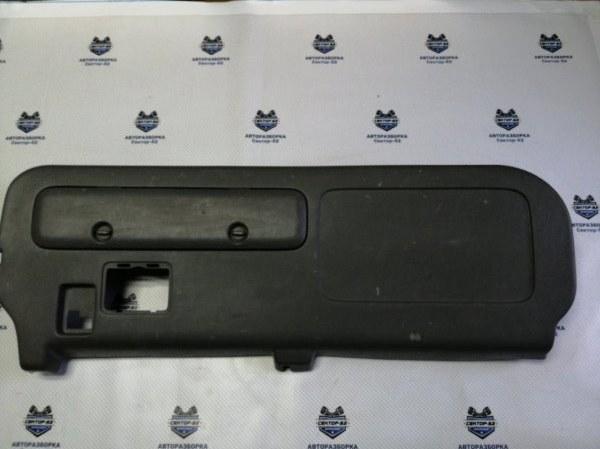 Обшивка двери багажника Honda Cr-V RD3 B20Z1 2001 (б/у)