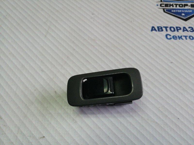 Кнопка стеклоподъемника Suzuki Grand Vitara TD62 H25A 2001 передняя правая (б/у)
