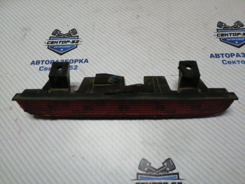 Стоп-сигнал дополнительный Suzuki Grand Vitara TD62 H25A 2001 (б/у)