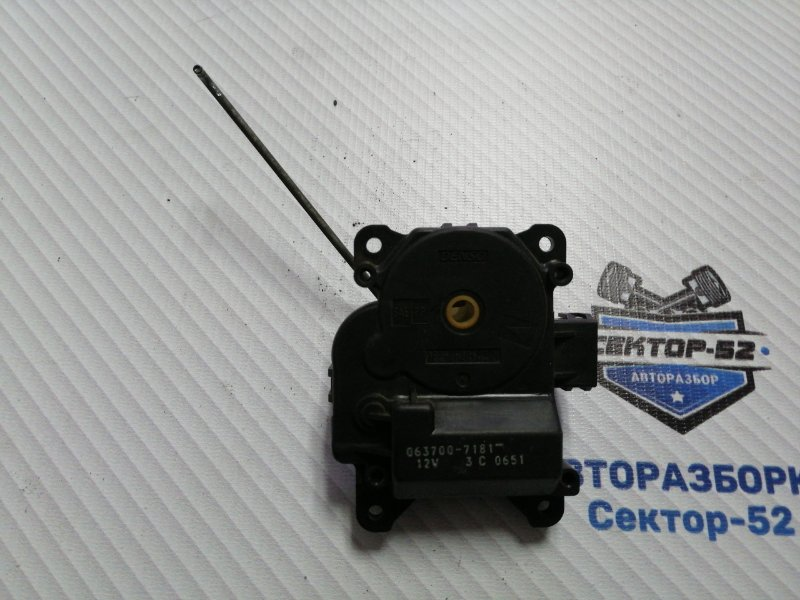 Мотор заслонки отопителя Suzuki Grand Vitara TD62 H25A 2001 (б/у)