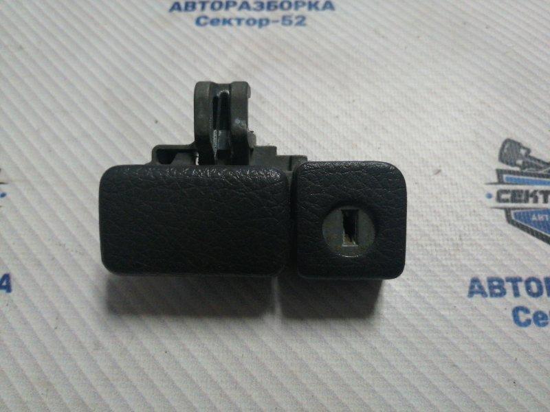 Ручка бардачка Suzuki Liana RC31S M16A 2006 (б/у)