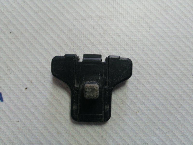 Кронштейн бампера Suzuki Liana RC31S M16A 2006 задний (б/у)
