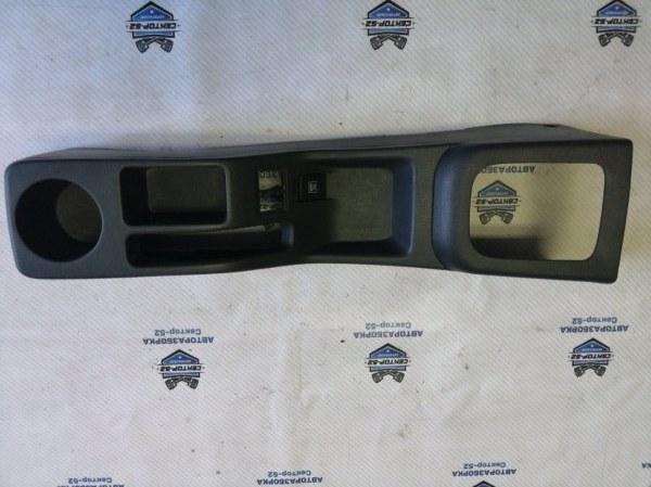 Консоль центральная Suzuki Liana RC31S M16A 2006 (б/у)