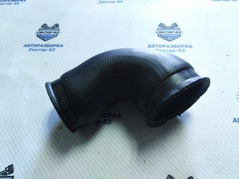 Патрубок интеркуллера Volkswagen Golf 5K1 CAVD 2010 (б/у)