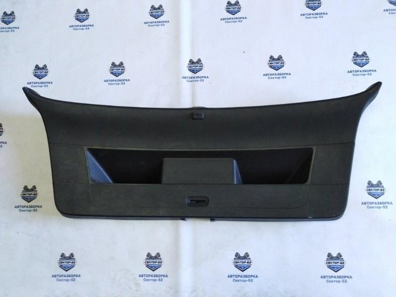 Обшивка крышки багажника Volkswagen Golf 5K1 CAVD 2010 (б/у)