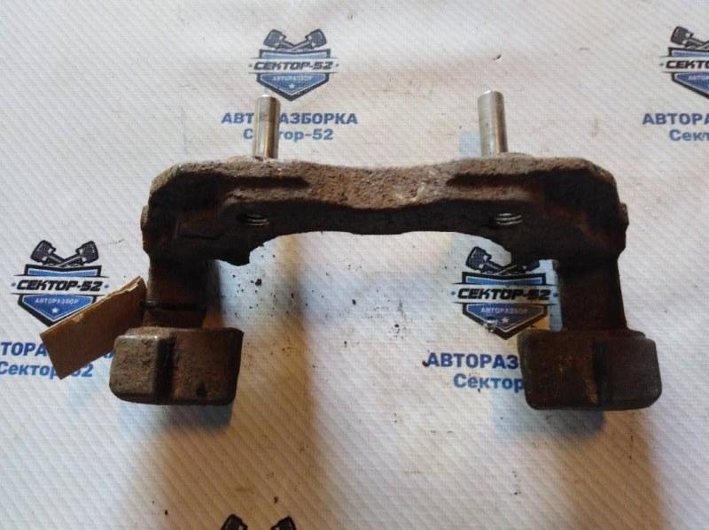 Скоба тормозного суппорта Ford Focus DA3 HXDA 2005 передняя (б/у)