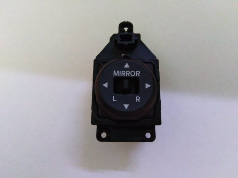 Кнопка регулировки зеркал Hyundai Solaris RB G4FA 2011 (б/у)