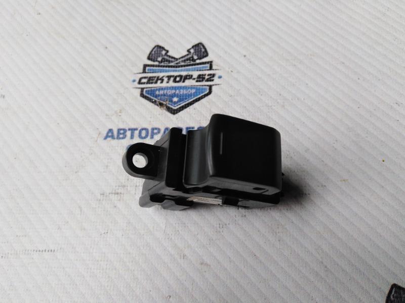 Кнопка стеклоподъемника Nissan X-Trail NT31 MR20DE 2008 (б/у)