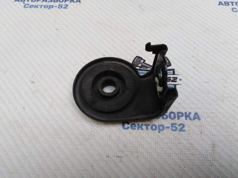 Кронштейн радиатора Nissan X-Trail NT31 MR20DE 2008 правый верхний (б/у)