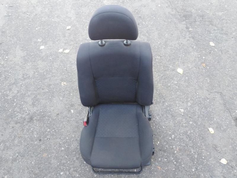 Сиденье Nissan Almera N16 QG15DE 2004 переднее левое (б/у)