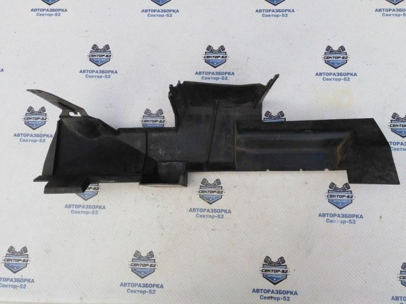 Дефлектор радиатора Renault Megane LM0G F9Q800 2005 правый (б/у)