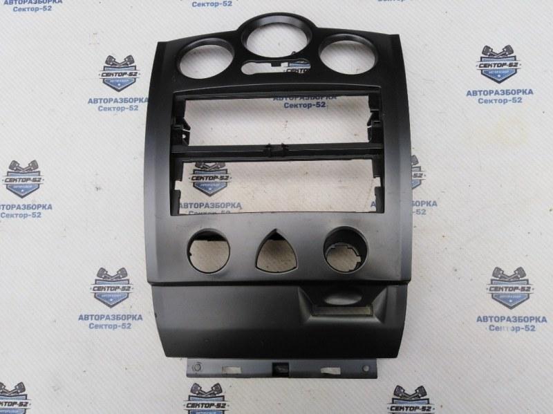 Накладка консоли центральной (рамка) Renault Megane LM2Y K4M812 2007 (б/у)