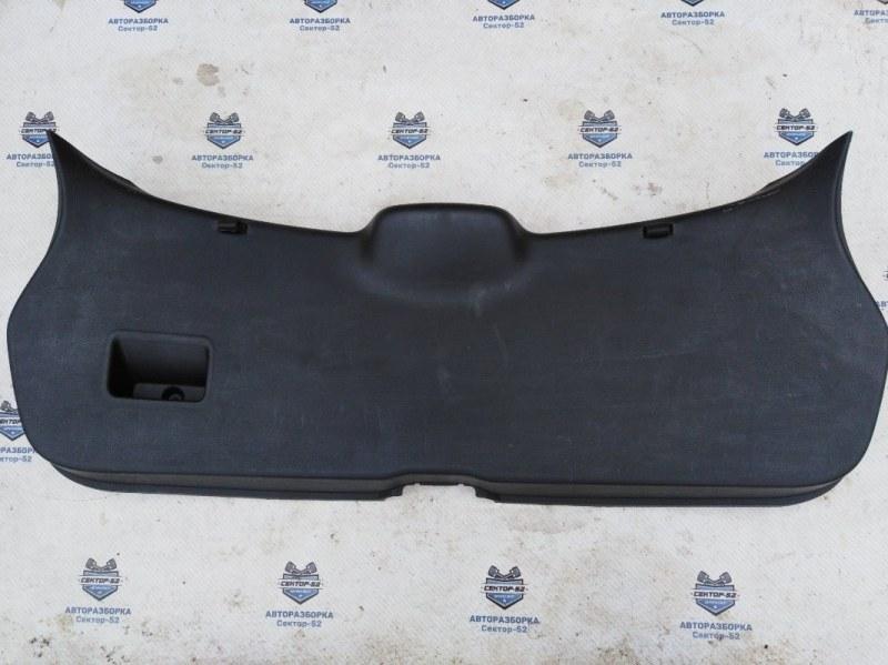 Обшивка крышки багажника Nissan Qashqai J10 MR20DE 2007 (б/у)