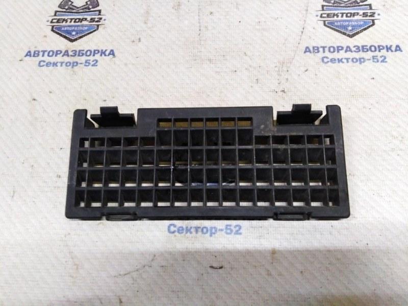 Накладка решётки стеклоочистителей Nissan Qashqai J10 MR20DE 2007 (б/у)
