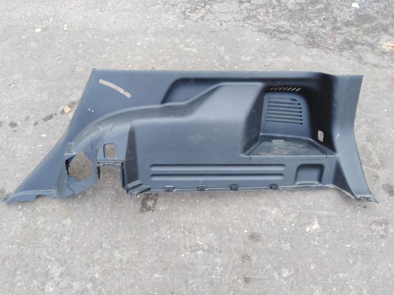 Обшивка багажника боковая Nissan X-Trail T31 MR20DE 2009 правая нижняя (б/у)