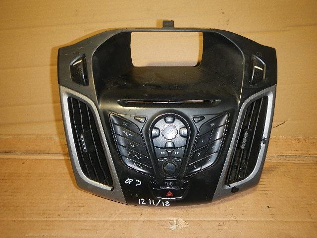 Рамка магнитолы Ford Focus 3 (2011>) 1.6 Б (б/у)