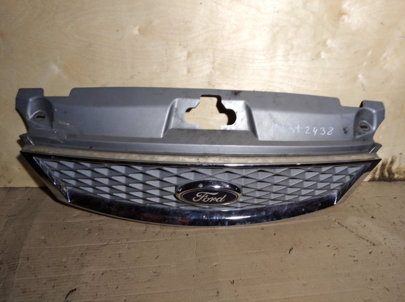 Решетка радиатора верхняя Ford Mondeo 3 (2000-2007) (б/у)