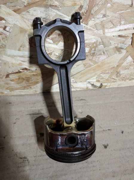 Поршень с шатуном Ford Mondeo 3 (2000-2007) 2.0 (б/у)