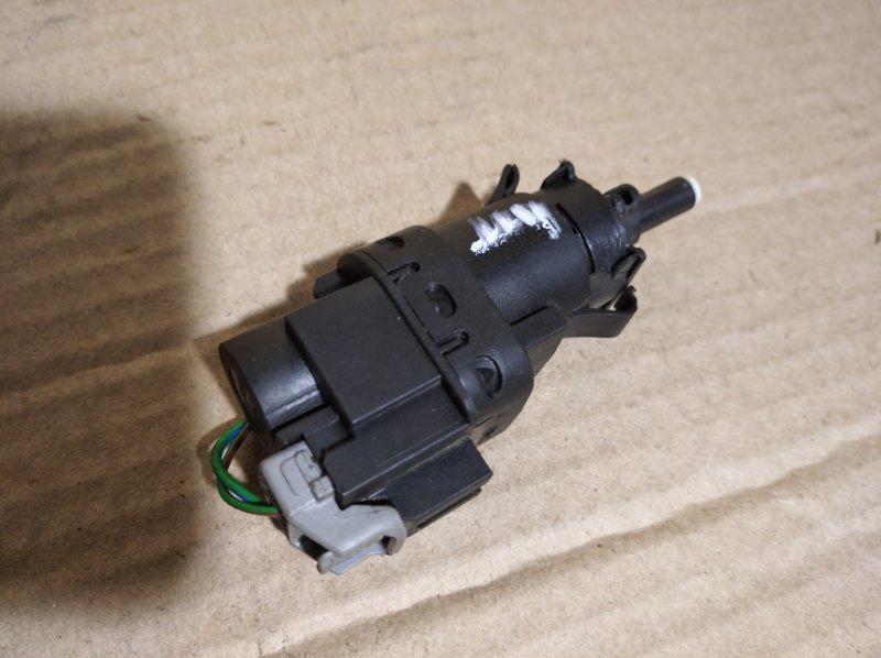 Датчик включения стоп-сигнала Ford Mondeo 4 (2007-2014) ХЭТЧБЕК 2 задний (б/у)