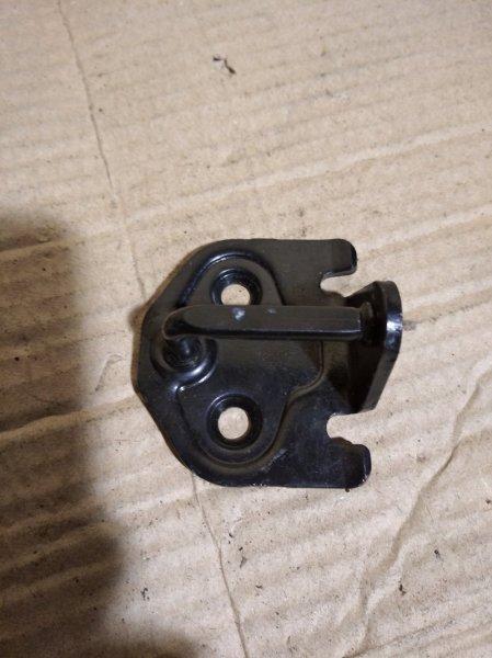 Скоба замка двери (ответка ) Ford C-Max 2003-2007 1.8 D (б/у)