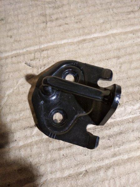 Скоба замка двери (ответка ) Ford S-Max 2006- (б/у)