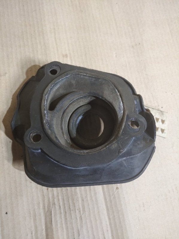 Пыльник (уплотнитель) рулевого вала Ford Explorer (2011-) 3500 2010 (б/у)