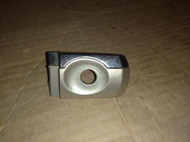Ответная часть внешней ручки двери Ford Mondeo 3 (2000-2007) передняя левая (б/у)
