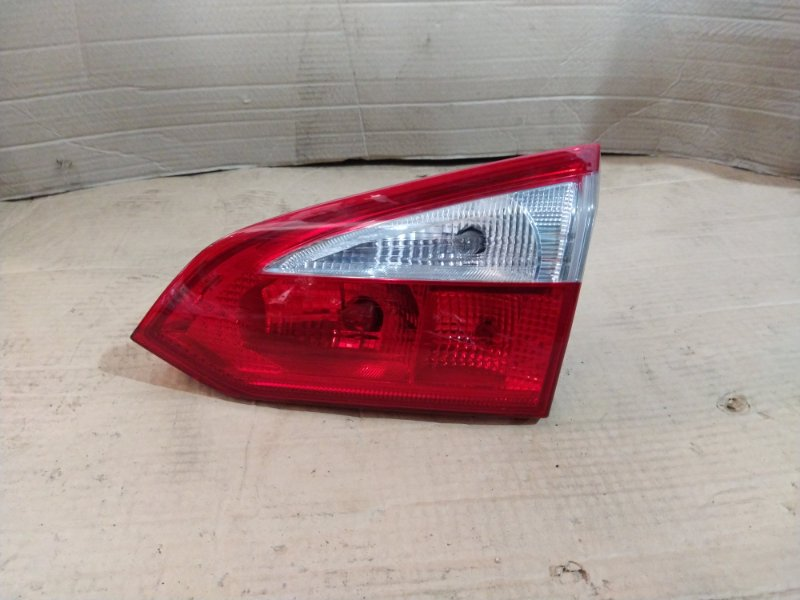 Фонарь задний внутренний правый Ford Focus 3 (2011>) 2014 (б/у)