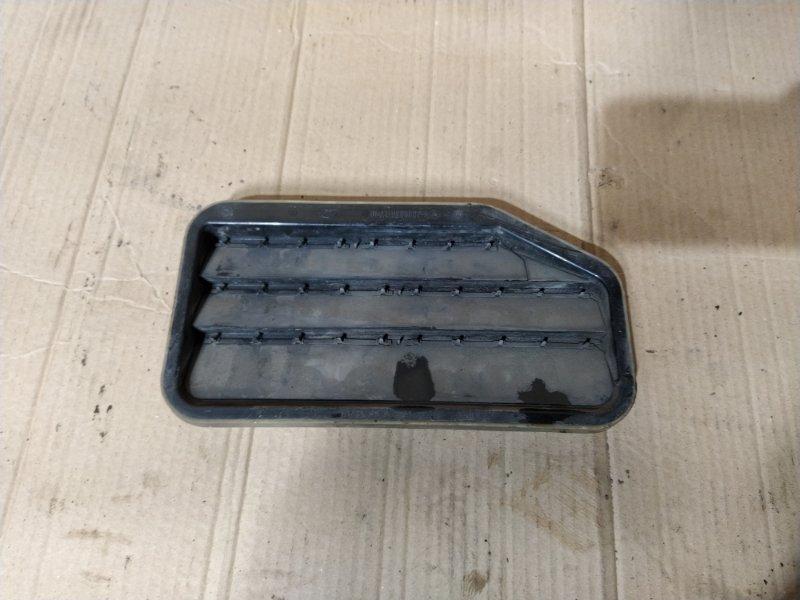 Решетка вентиляционная Ford Focus 3 (2011>) УНИВЕРСАЛ задняя правая (б/у)