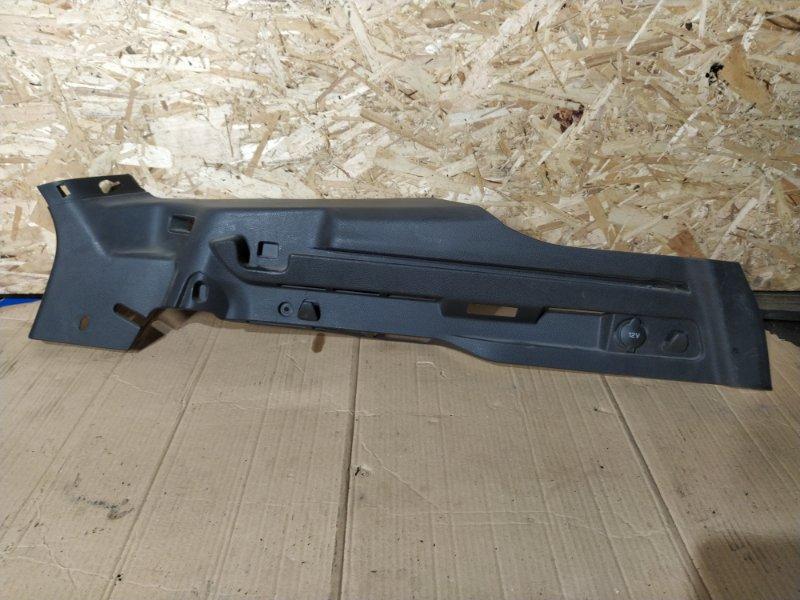 Направляющая шторки багажника Ford Focus 3 (2011>) УНИВЕРСАЛ левая (б/у)