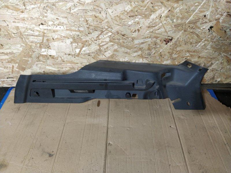 Направляющая шторки багажника Ford Focus 3 (2011>) УНИВЕРСАЛ правая (б/у)