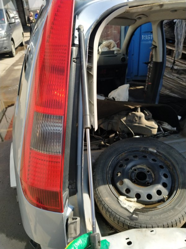 Амортизатор двери багажника Ford Fusion 2001-2012 (б/у)