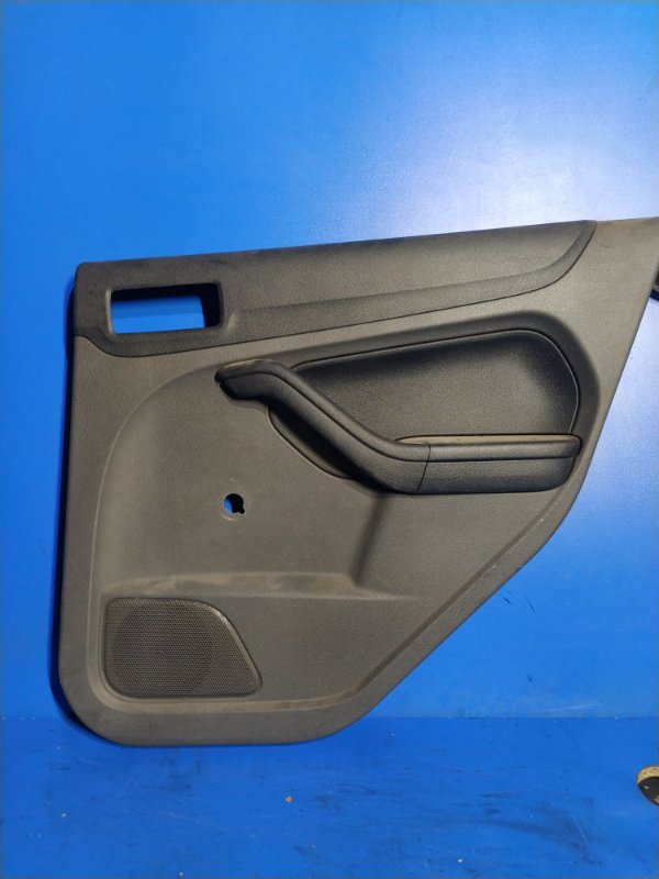 Обшивка двери Ford Focus 2 2004-2008 задняя правая (б/у)