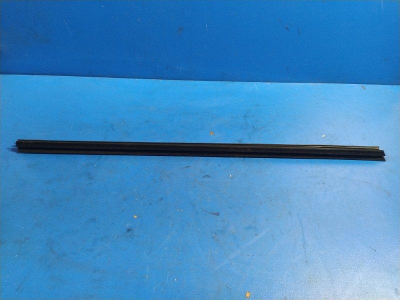 Уплотнитель стекла внутренний Ford Mondeo 3 (2000-2007) СЕДАН передний правый (б/у)