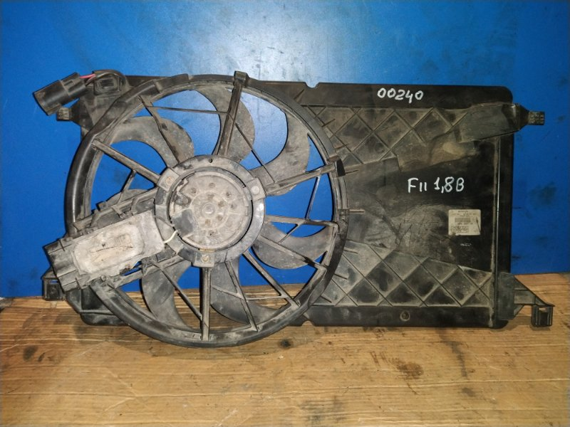 Вентилятор радиатора Ford Focus 2 2004-2008 (б/у)