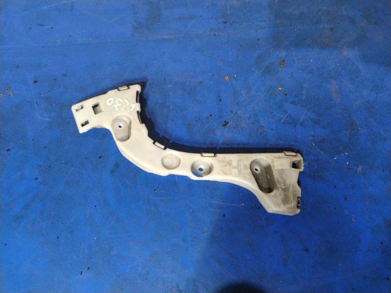 Направляющая заднего бампера правая Ford Focus 3 (2011>) ХЭТЧБЕК 1.6 БЕНЗИН 2011 (б/у)