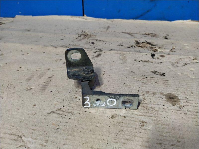 Петля двери передней левой верхняя Ford Focus 3 (2011>) ХЭТЧБЕК 1.6 БЕНЗИН 2011 (б/у)