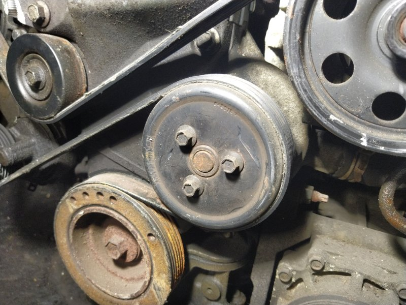 Насос водяной (помпа) Ford Focus 1 St 1998-2005 (б/у)