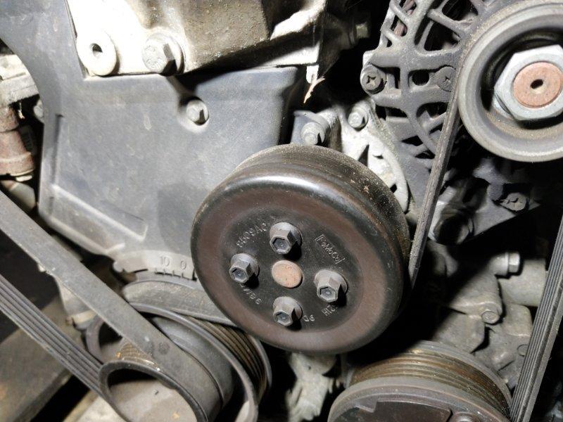 Насос водяной (помпа) Ford Fusion 2001-2012 ХЭТЧБЕК 1.4L DURATEC 16V EFI DOHC (75/80PS) 2009 (б/у)