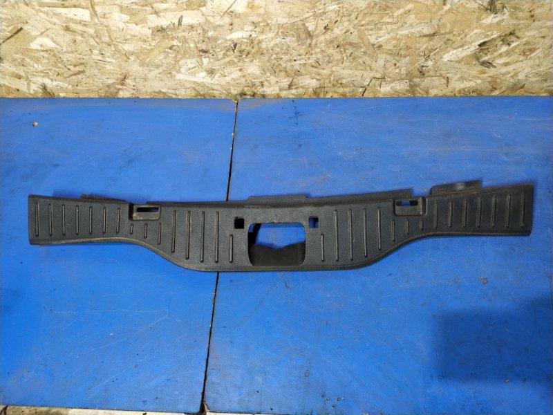Накладка задней панели Ford S-Max 2006- 1.8L DURATORQ-TDCI (125PS) 02.2008 (б/у)