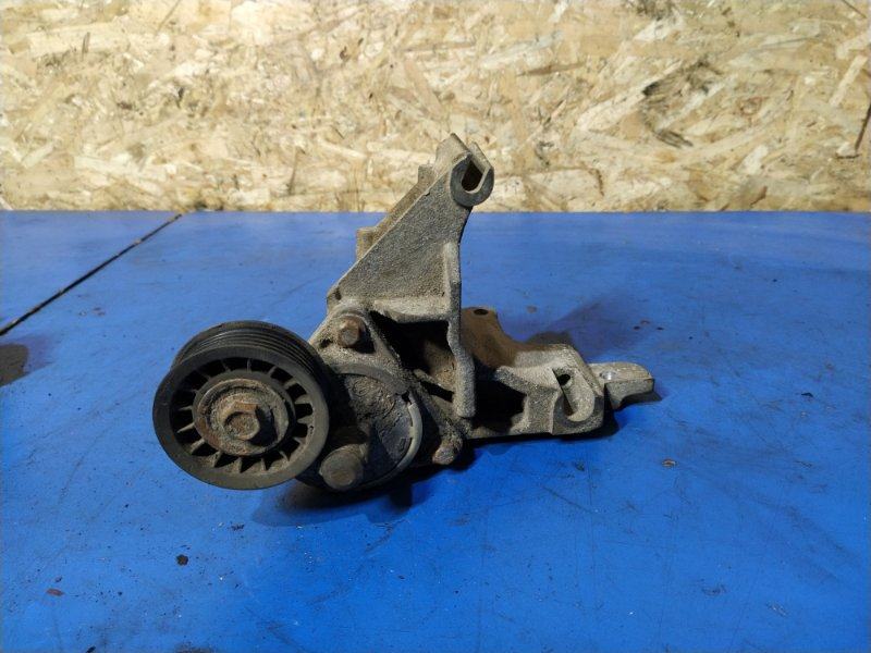 Кронштейн крепления генератора Ford Focus 1 (1998-2005) СЕДАН 1.6L ZETEC-E EFI (100 Л.С.) 2001 (б/у)