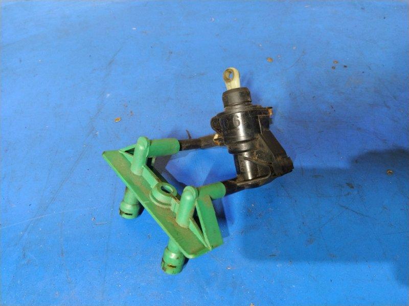 Главный цилиндр сцепления Ford Focus 1 1998-2005 СЕДАН 1.6L ZETEC-E EFI (100 Л.С.) 2001 (б/у)