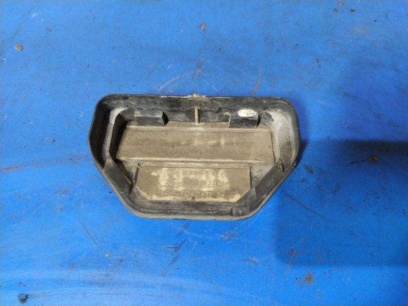 Решетка вентиляционная Ford Focus 1 (1998-2005) СЕДАН 1.6L ZETEC-E EFI (100 Л.С.) 2001 задняя (б/у)